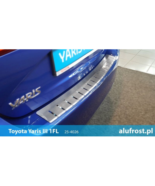 Rear bumper protector TOYOTA YARIS III 1FL 5D